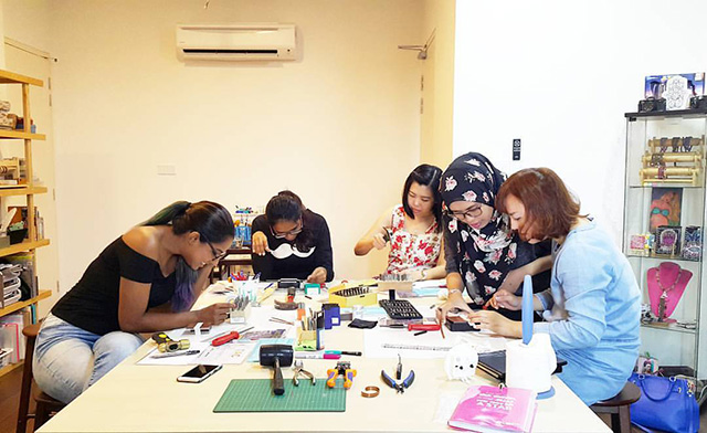 Workshop at T.A.C Studio - Letter Handstamping by BYPIJOT. Photo credit: T.A.C